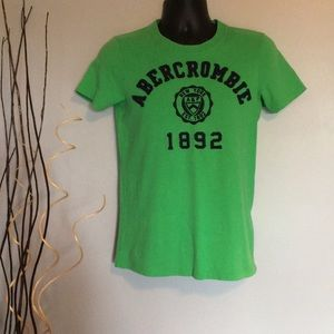 Abercrombie & Fitch T-shirt in green
